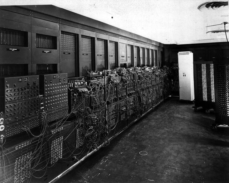 самый первый компьютер в мире eniac 1946 г фото