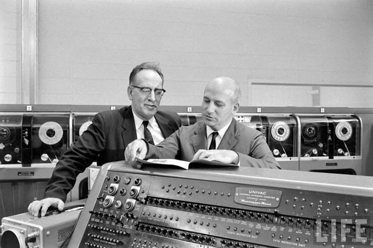 самый первый компьютер в мире кто создал
